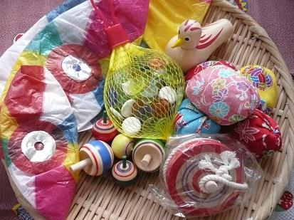 201312_toyboxsample.jpg